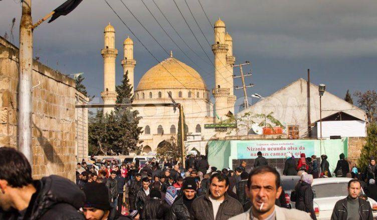 predstaviteli-kavkazskikh-musulman-%d0%b0zerbajdzhana-otritsayut-chto-sobytiya-v-poselke-nardaran-svyazanny-s-religiej